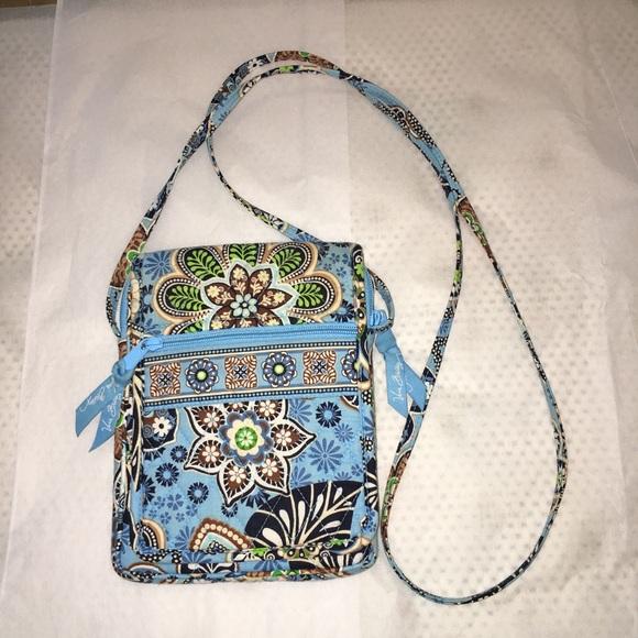 b681b9c59f Vera Bradley Bali Blue Crossbody Purse Bag. M 5aa3f933b7f72b880af7d129